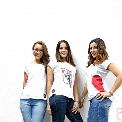 Rocío, Lydia y Patricia con camisetas de Mandarina & Fresón