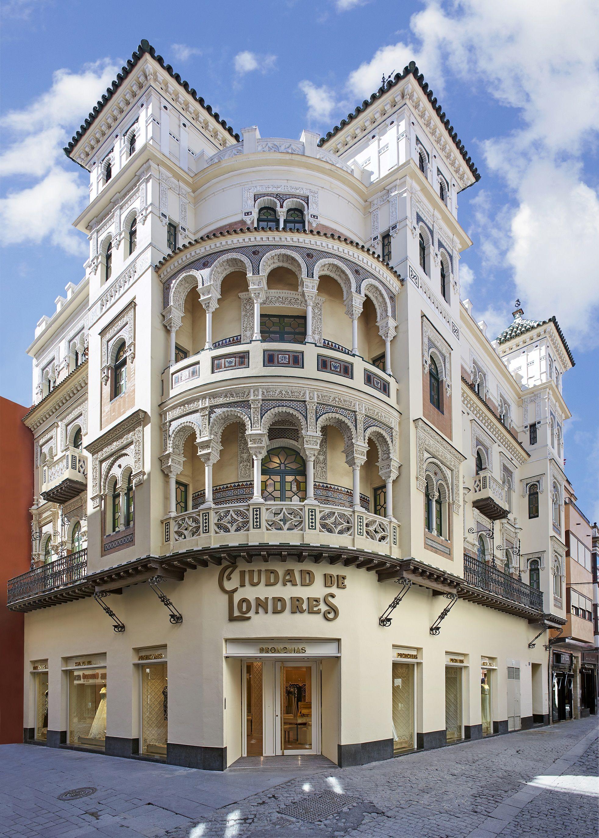 Pronovias inaugura su nueva flagship store en Sevilla