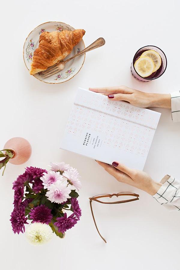 El libro y agenda para novia