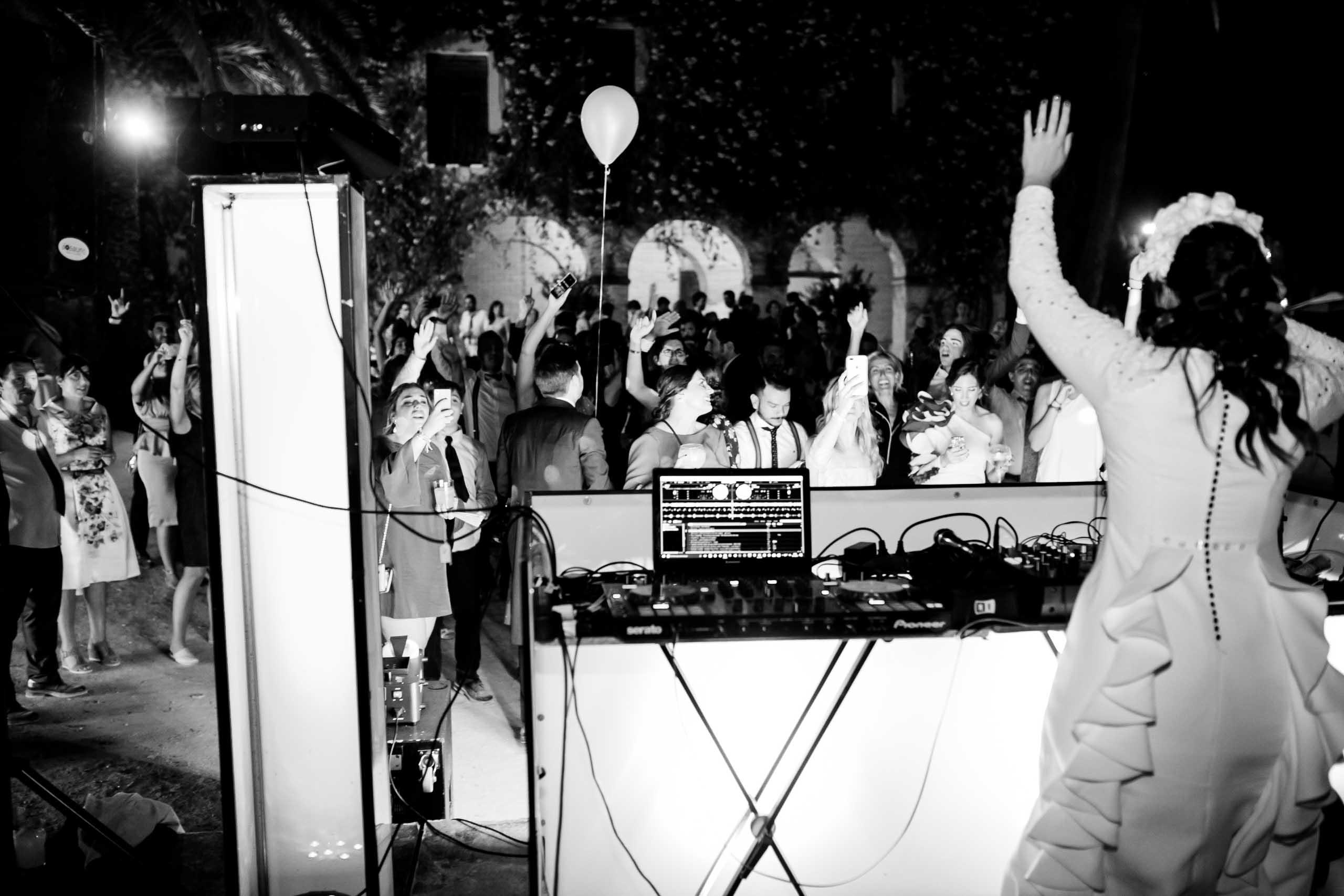 novia DJ
