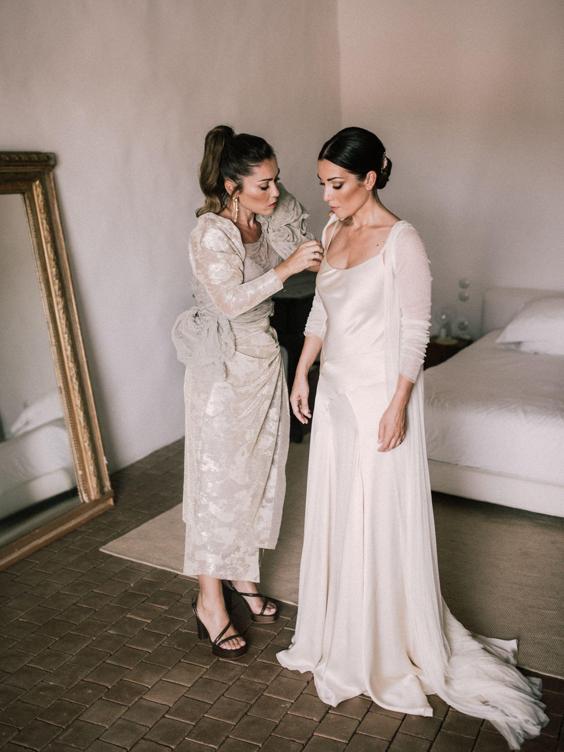 Lidia y Patricia de Weddings With Love-Vestido novia Cortana